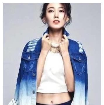 她是靳东的亲妹妹,因《都挺好》一夜爆红,今儿女双全老公成谜!