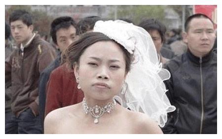 """有种""""逆袭""""叫10年后的凤姐,如今34岁美到犯规,网友换头了"""