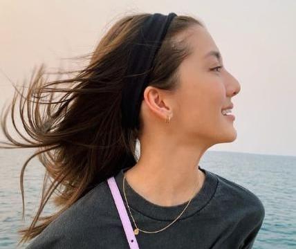 27岁吴千语真的太性感,黑色短袖+比基尼,这身材简直是爱了!
