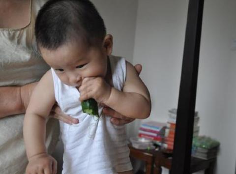 """孩子不爱吃饭发育慢?可能是""""锌不足""""了!家长可不要大意!"""