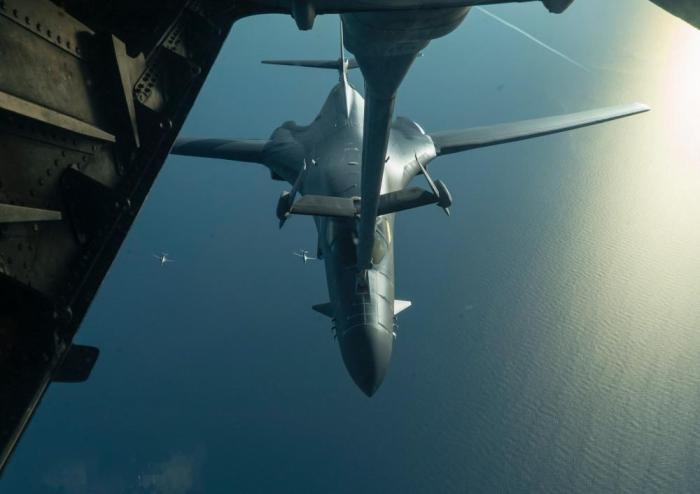 美方向土耳其下达最后通牒,隐形轰炸机编队飞抵中东