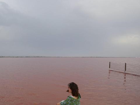 西班牙粉湖,一颗绿野中的粉色珍珠 ,给你不一样的浪漫体验