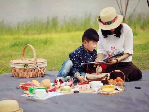 """""""陪伴早教"""":陪伴是最好的早教方式,陪伴比早教班更值得重视"""