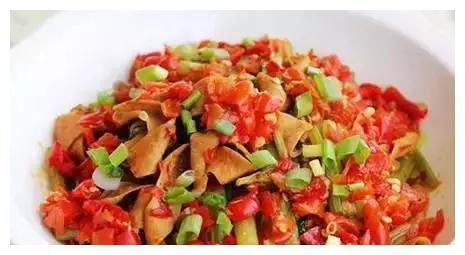 美食推荐:酸辣鸭肠,菠菜面筋,牛肉炖萝卜,炝拌干豆腐丝