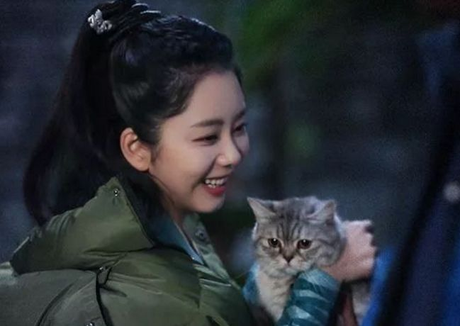 终于知道谭松韵为何不早恋了,看到她17岁旧照:这谁敢追?