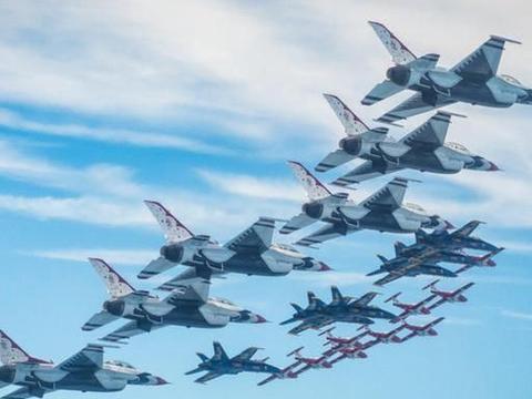飞行员无聊驾战机钻桥洞,差点上军事法庭