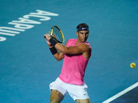 振臂欢呼!纳达尔两盘击退迪米晋级,决赛将冲击ATP一大纪录!