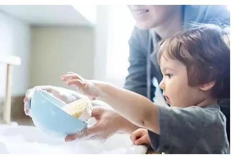 培养孩子做家务,越做家务越容易成功,其实是在培养2种优秀品质