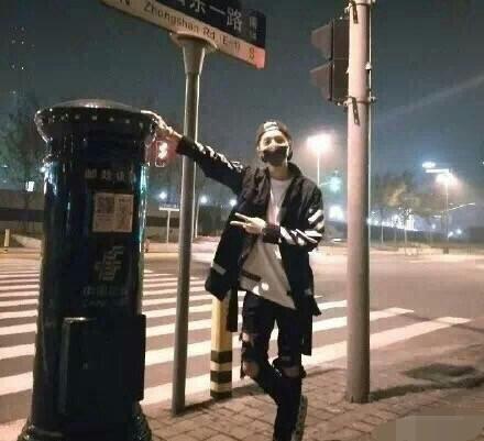 """《上海堡垒》票房扑街后,鹿晗""""变""""了"""