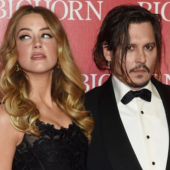 明星 | 再反转?Johnny Depp私密短信曝光,露骨直言:我要烧了Amber Heard的尸体!