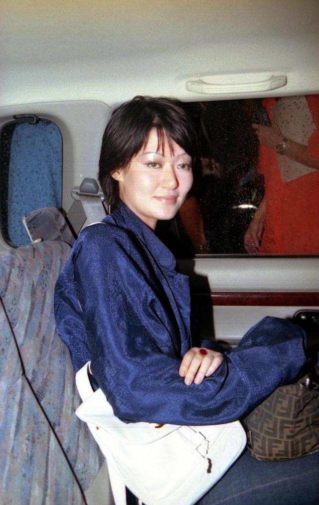 陈宝莲离世18年儿子幸得邱黎宽收养照顾,18岁身高一米八三很帅气