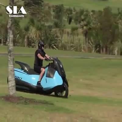 水陆两栖的摩托车,感受一下!!汽车精选 汽车世界杯  ?