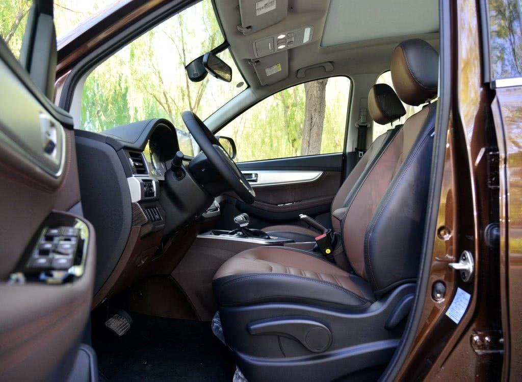 车重1.5吨,轴距 2.75米,配1.5T油耗7.4,7万起大7座买啥H6!