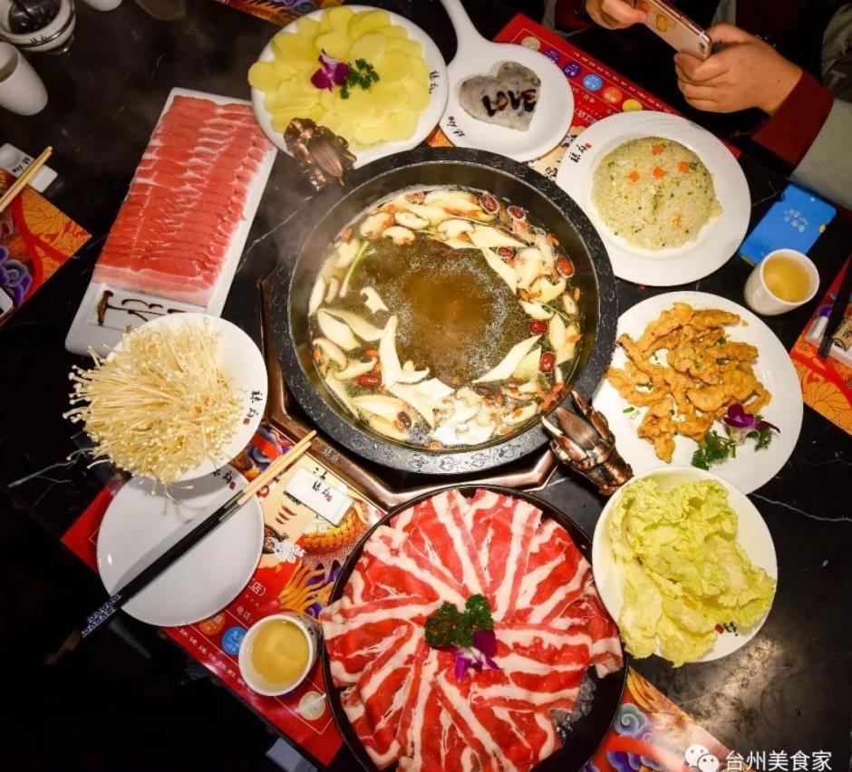 哈萨克斯坦冷饮火锅_火锅跟冷饮的配合,会让你一天胖几斤!