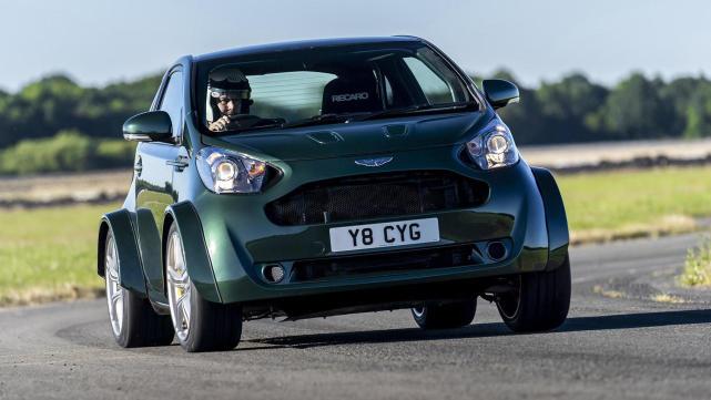 比Polo小配双排气,第一眼是钢炮,看到车标原来是超跑!