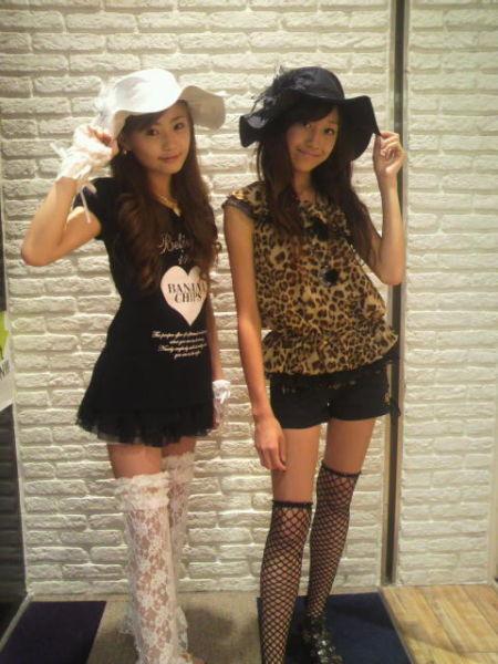 醉酒日本街头生活:实拍随地躺,女生小学化妆兴小学珠海华图片