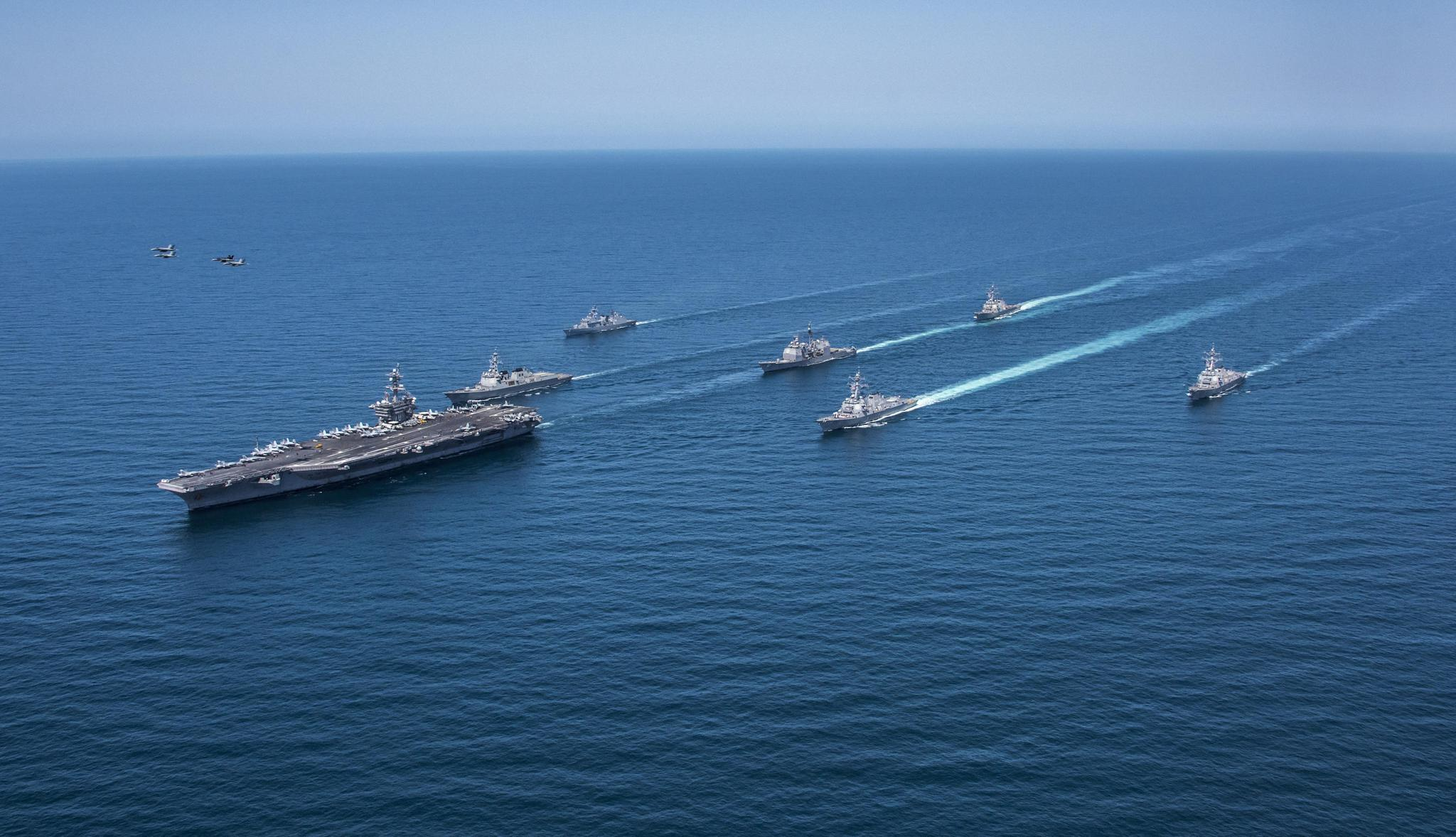国产001a型航母海试,与辽宁舰组成双航母编队!