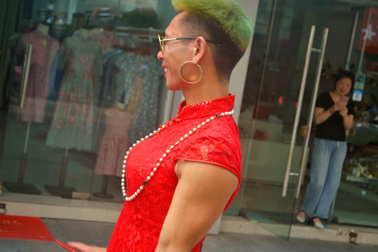 以前穿文胸勒都不觉得,现在穿文胸勒觉得好难受,怎么回事啊?
