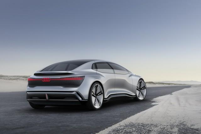 听说它是全球第一个达到L5级别的自动驾驶汽车