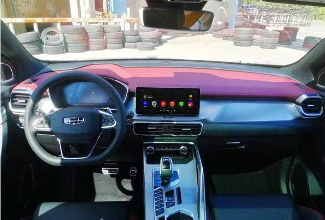 这款SUV是年轻人的首选,4出排气运动感爆棚,准备好钱包了没有