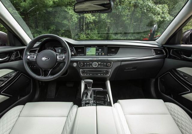 起亚凯尊再升级,搭载V6发动机,卖20多万,你考虑吗