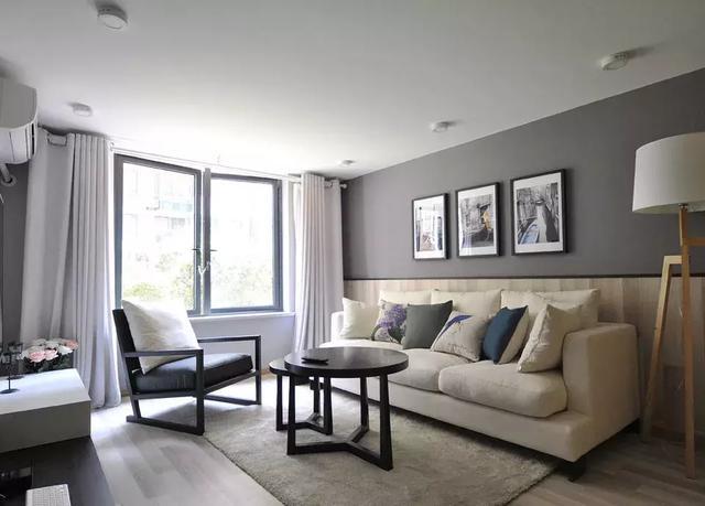不做吊顶也不做石膏线的客厅,简单美你喜欢吗?