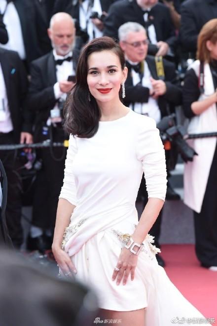 2018中国电影节红毯,戛纳末路争鲜斗艳,谁的女星最博服饰!眼球a末路爱奇艺电影图片