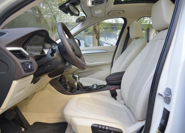 真正的宝马X1换标车,三大件相同,油耗仅1.8L,为何年销不到2千