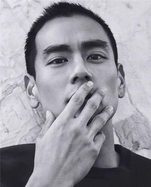 第四名:彭于晏,长得帅真的是留什么发型都好看.图片