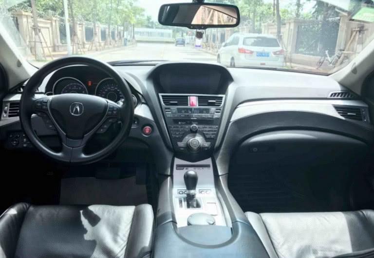 花26万买辆二手讴歌ZDX,车主:开在路上觉得很不好意思!