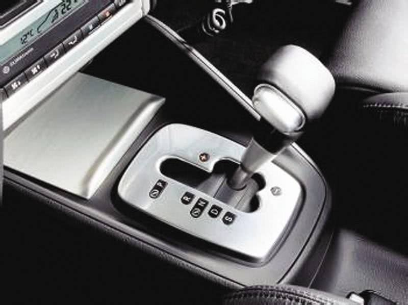 自动挡别这样开,老司机:自动挡车正确的起步方法..