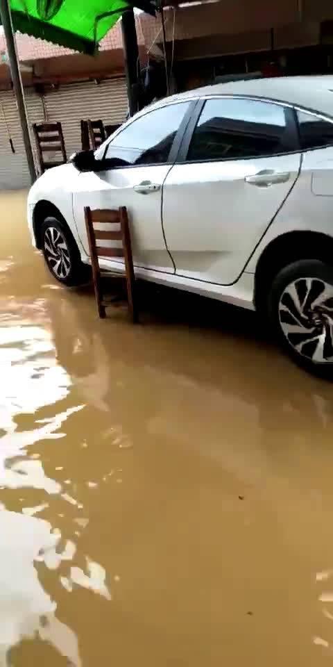 区区暴雨能难得倒我超跑思域 2018北京车展违章征集令  ?