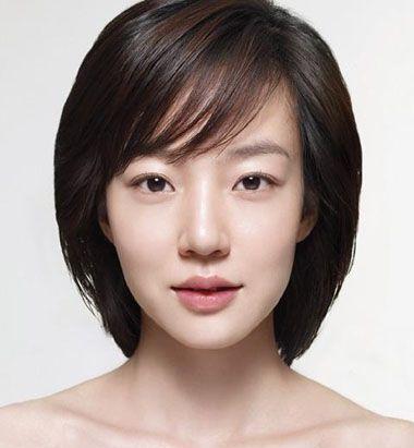 宽额头,方形脸,30岁的女人适合什么短发?图片