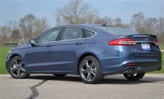 2018款福特Fusion亮相,尾翼帅掉渣了,搭2.7T V6动力!