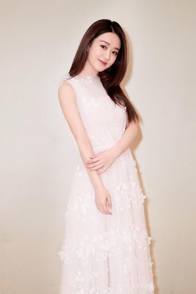 漂亮又可爱的赵丽颖为什么一直是单身?