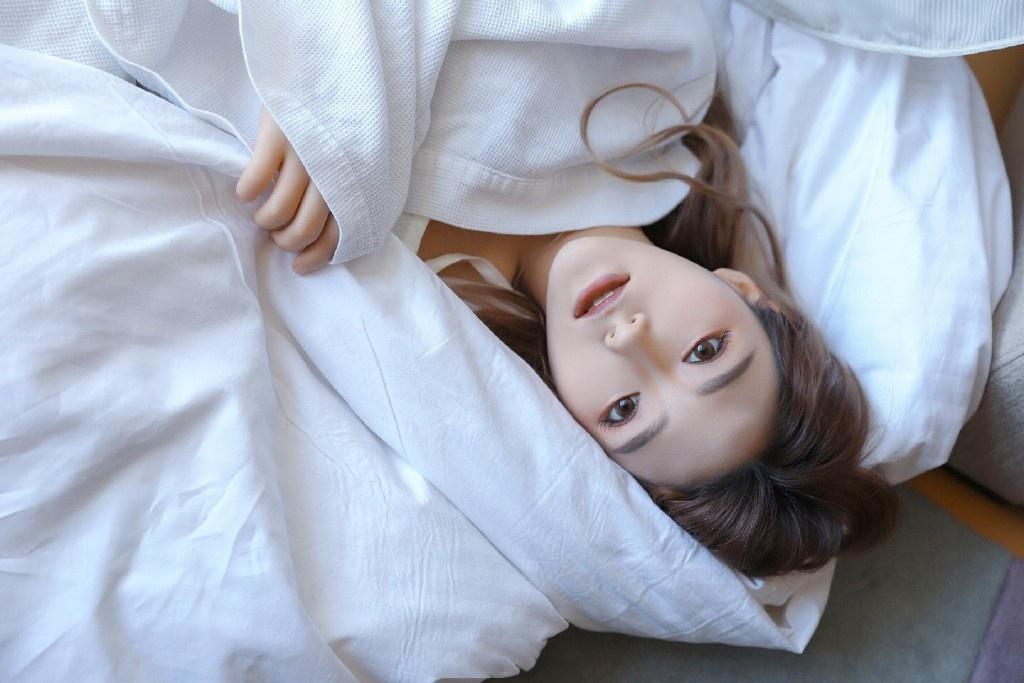 娃娃脸可爱妹子镂空白纱性感私房摄影艺术照
