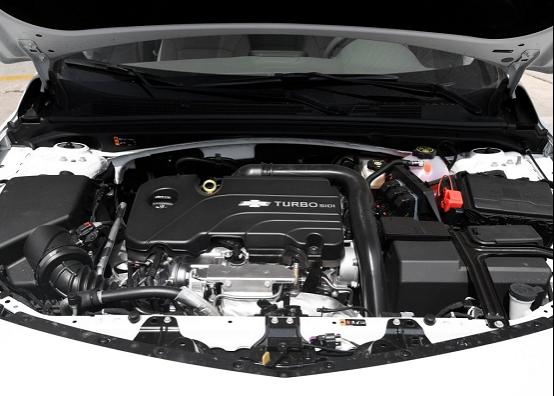 终于不用纠结买迈腾了,这车1.5T配6AT仅13.39万,比凯美瑞舒适