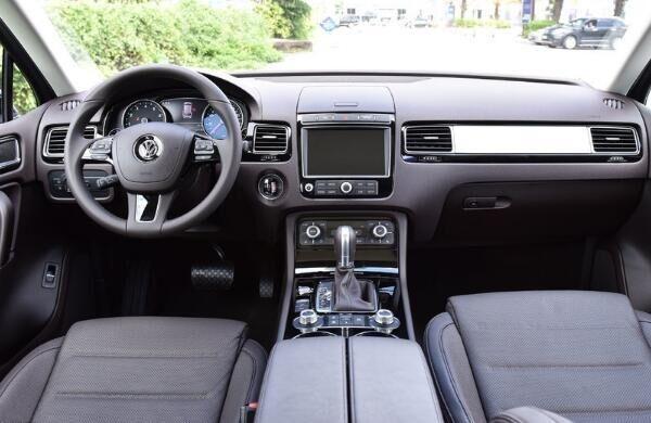 宝马X5有对手了, 全新大众SUV更气派, 一上路奥迪Q7根本追不上!