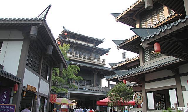 世界最古老运河与长城齐名,2000多年历史,至今