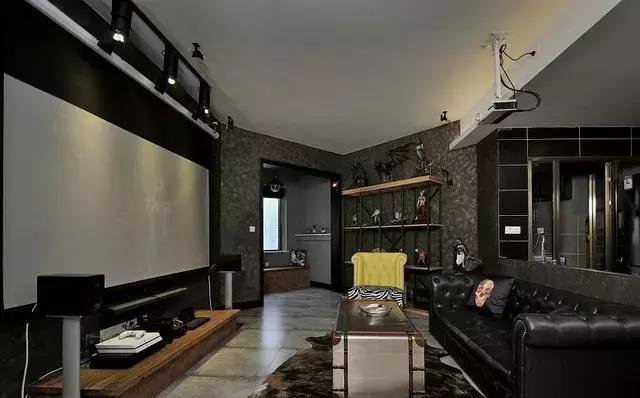 老公将新房装修成暗黑哥特风格,看到效果我懵了,你们谁见过?