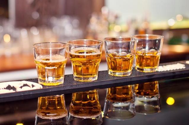 和重要领导喝酒吃饭,这3种酒不要喝,受用一辈子的规矩