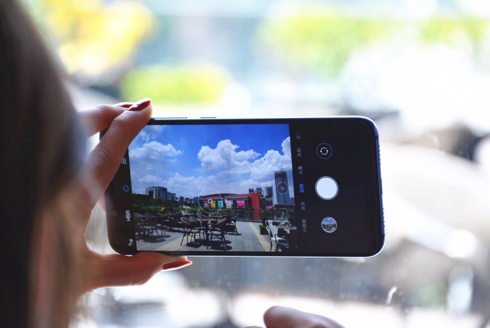 为何手机拍照比相机还好看!看这三个技术亮点就知道了
