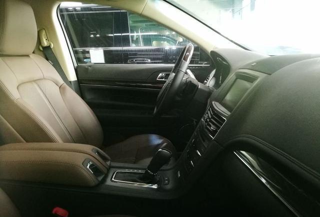 豪华大型SUV的个性选择-林肯MKT