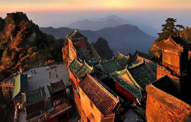 """中国最会""""赚钱""""景区,收费项目一环套一环,爬个山至少花五百元"""