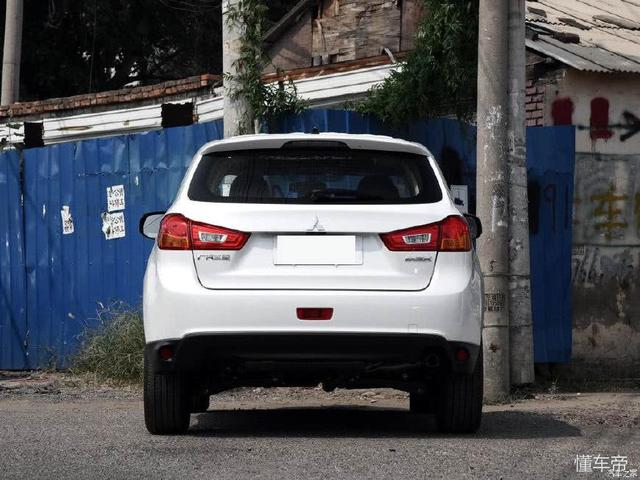 三菱再发新车,逼格完胜汉兰达,配进口三大件,仅售9万
