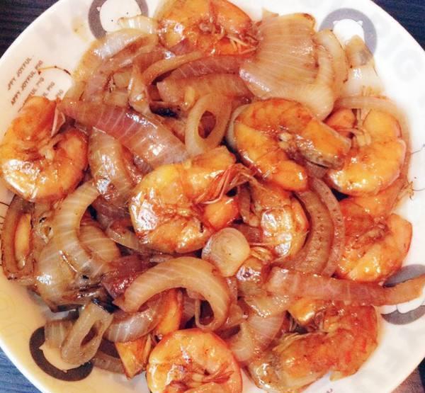 河蟹红酒烩虾洋葱是河里的吗图片