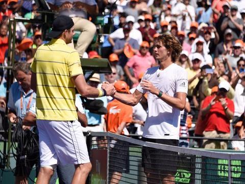 女王杯网球赛:穆雷复出首站夺冠洛佩兹梦幻双冠
