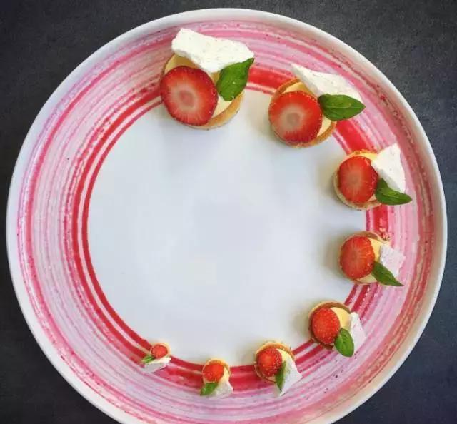 米其林餐厅那些奢华的西餐摆盘,竟然是信手拈来!图片