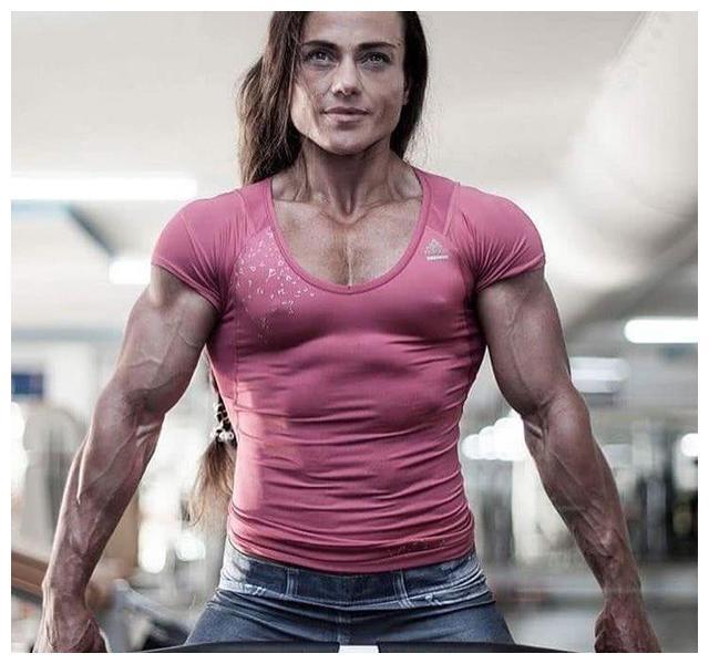 这8张女生的肌肉照,比男人还要健壮,突破了女性的极限