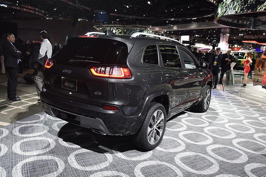 2.0T高功版+9AT 新款Jeep自由光广州车展首发